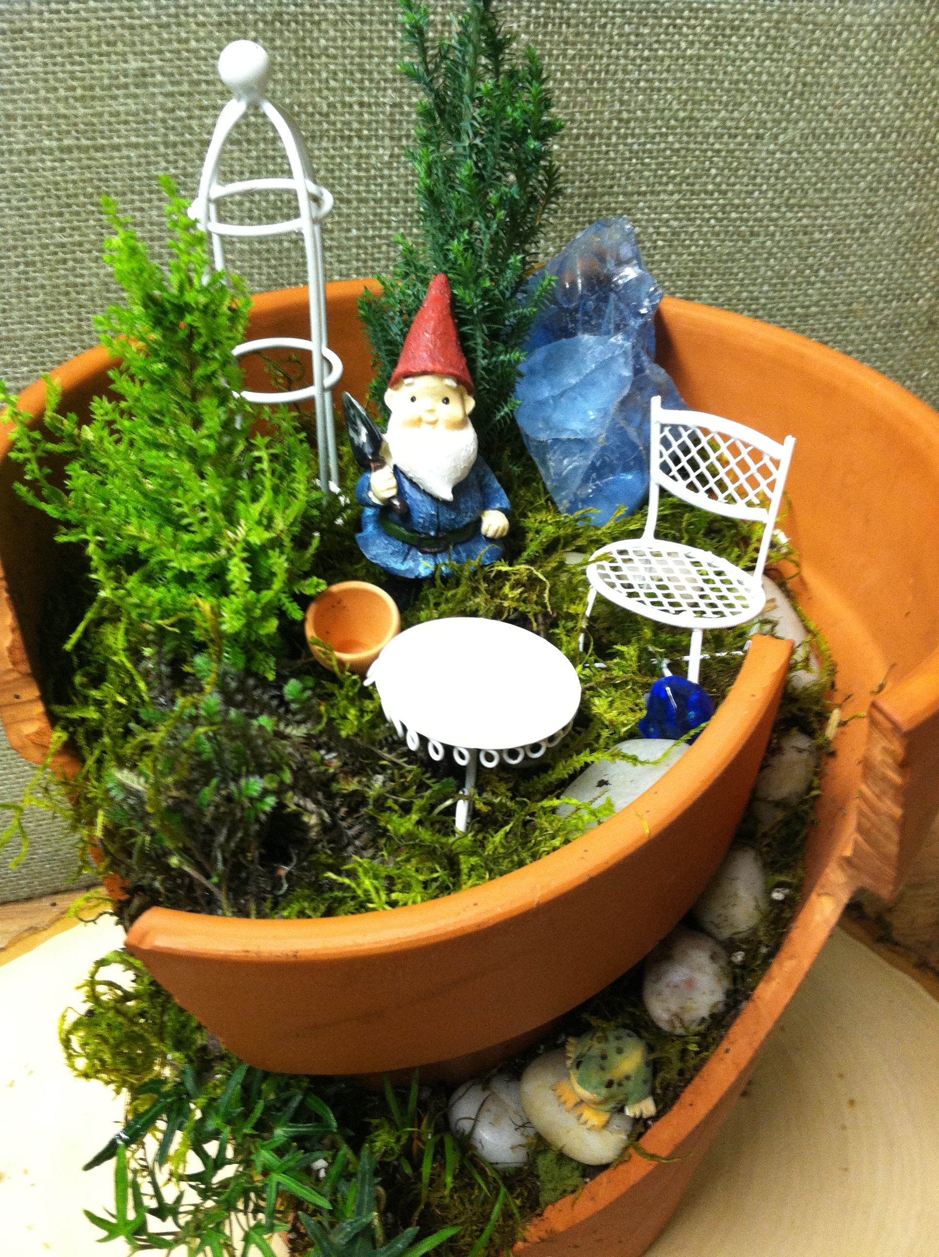 Gnome In Garden: Broken Pot Garden- Home For A Gnome!