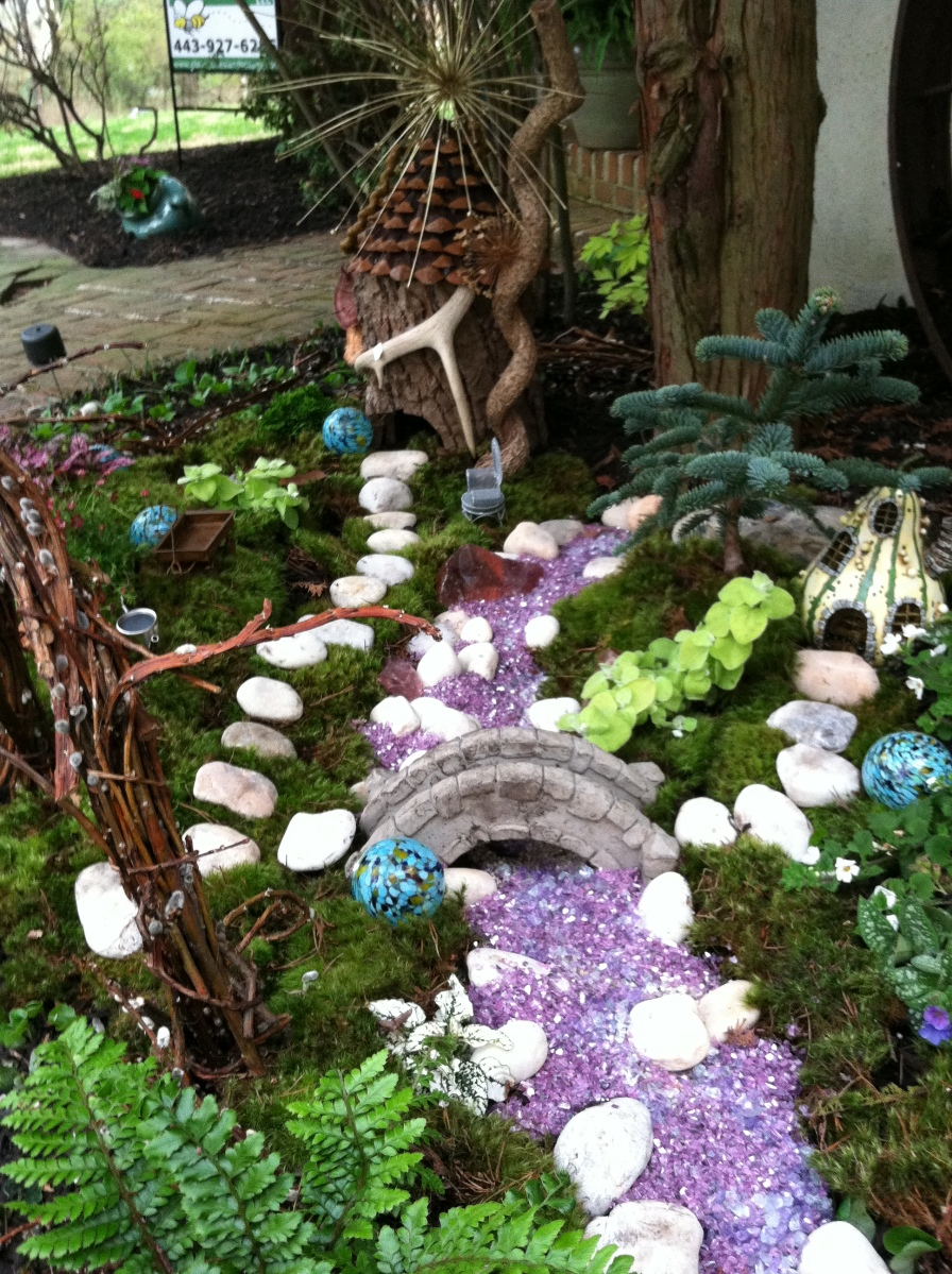 Outdoor fairy garden go wild the garden diaries for Outdoor pictures for gardens