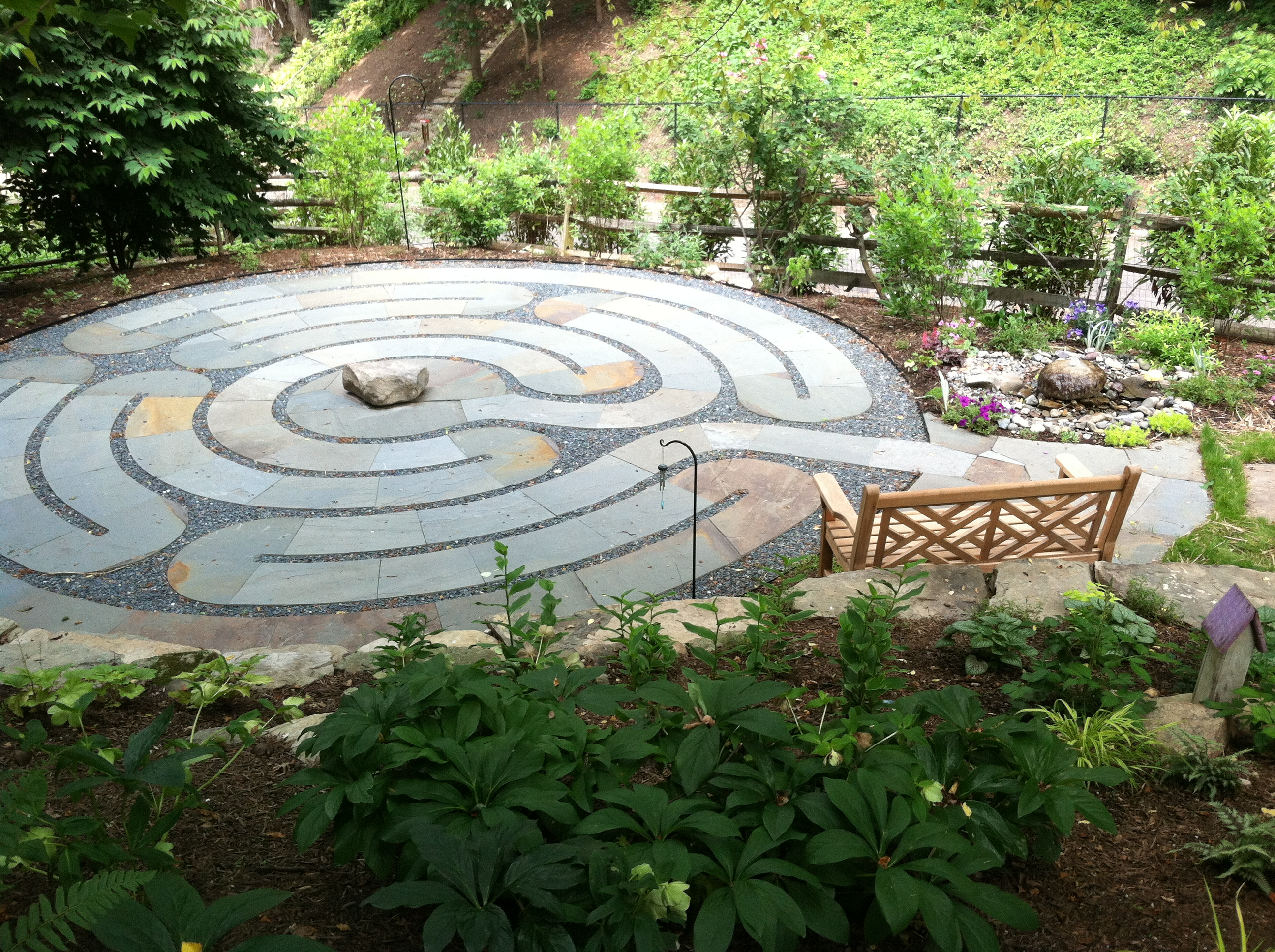 Labyrinth plantings the garden diaries for Garden labyrinth designs