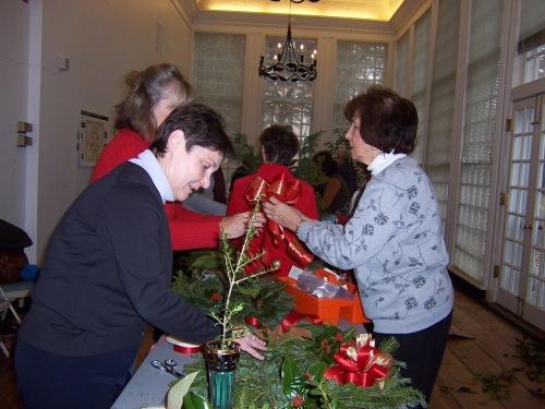 Making Christmas arrangements for Hampton