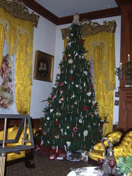 Christmas tree at Hampton