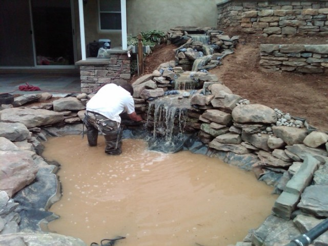 Installing a pond with liner