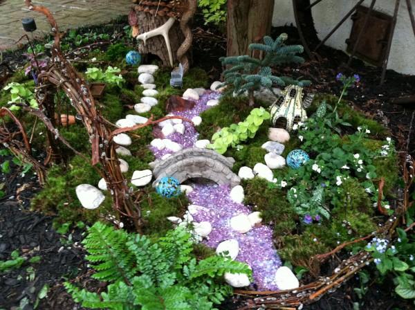 Outdoor miniature garden