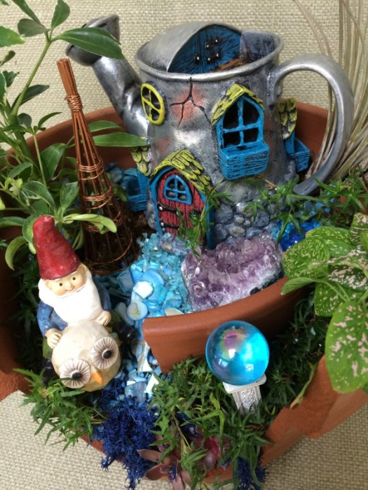 Gnome home, go to https://thegardendiaries.wordpress.com/2014/03/20/happy-gnoming-home-for-a-gnome/