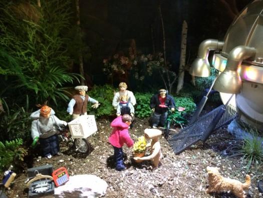 E.T. miniature setting