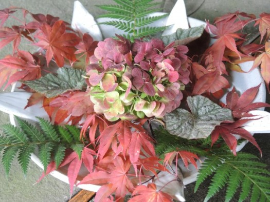 Chanticleer floating arrangement