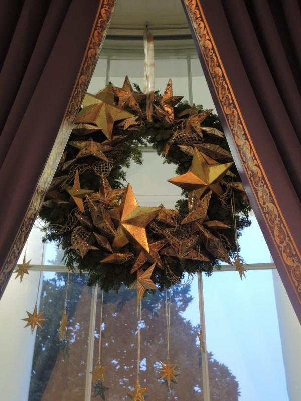 Star wreaths in the blue Room windows